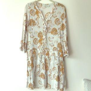 Dress Hinge
